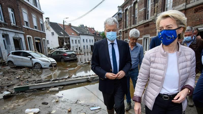 EU-Kommissionens præsident Ursula von der Leyen besigtigede i lørdags et område i Belgien, som var ramt af oversvømmelserne. Kommissionen lover hjælp til de landmænd, der er ramt. Foto: EU Kommissionen