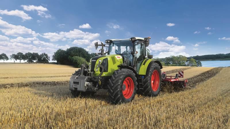 Claas Arion 400-traktorserien, der blev lanceret tidligere i år med en række nyheder, blandt andet nyt design og en ny topmodel med Power Management (CPM) og nye emissionstandarder, tilbydes nu også med CIS- og CIS plus til Arion 460 og 470, der er samlet i en premium-komfortpakke.
