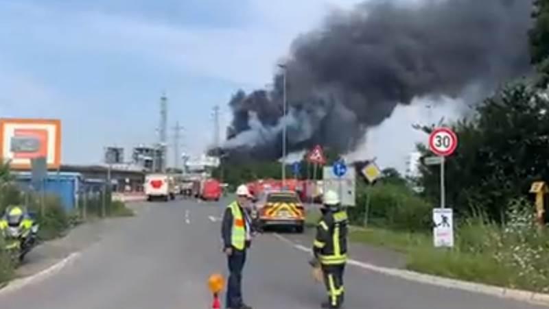 På sociale medier er der adskellige videoer af eksplosionen. Screenshot: Twitter
