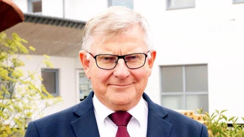 - Jeg er imponeret, for jeg ved godt, at nogle af andelshaverne skal bøvle med det for at kunne opfylde de nye krav, lyder det fra Thises direktør, Poul Pedersen, i forbindelse med mejeriets nye pladskrav til de i alt 75 andelshaveres køer.
