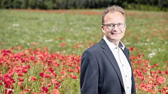 - Jeg forstår godt landbrugserhvervets bekymring, men jeg kan også godt se nogle muligheder rundt omkring for at få skabt nye arbejdspladser, både på bedrifterne og i andre erhvervssektorer, og at det også kunne gøre det mere attraktivt at bosætte sig i landdistrikterne, siger formanden for Landdistrikternes Fællesråd, Steffen Damsgaard.