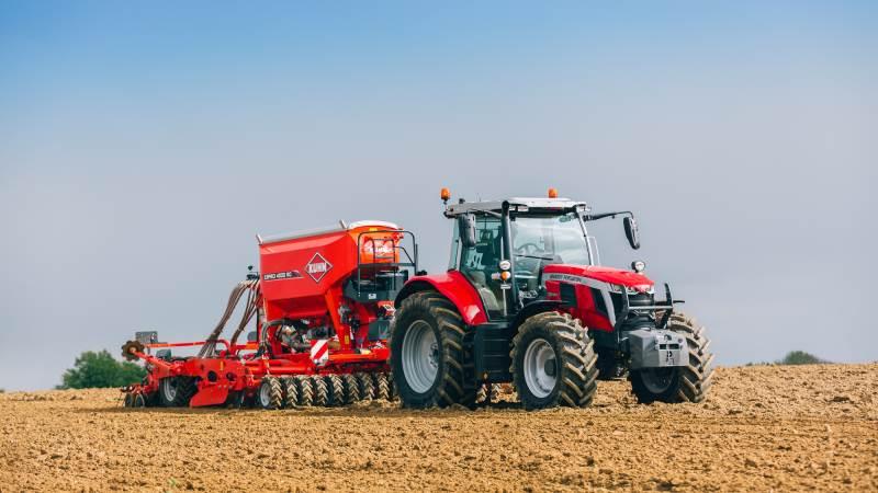 Fire nye MF 7S-traktorer i effektområdet fra 155 til 190 hk.