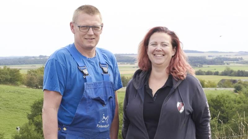 Gitte og Kristian Dahl er klar til at tage imod de besøgende, som kommer på rundvisning til Åbent Landbrug den 19. september. Fotos: Tenna Bang