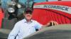 Peter Christensen fra Egtved Maskinforretning A/S ved den største af de to leverede McCormick-traktorer til Søborggård, model X7.670 VT-Drive.