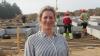 Charlotte Duus Christensen følger byggeriet af den nye stald tæt. Foto: John Ankersen
