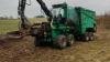 Mads Enemark udvikler hele tiden forretningen, og han har senest investeret i en effektiv flishugger, så firmaet kan nu tilbyde rydning af skov og læhegn og byggerydning.